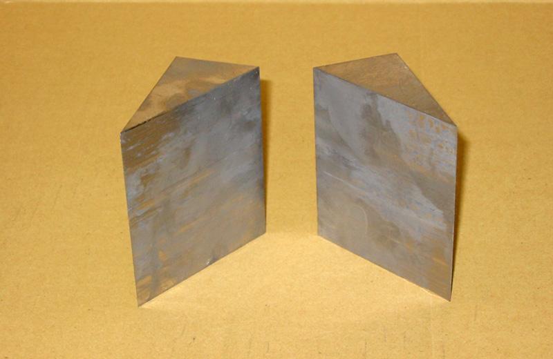 鉛三角ブロック製品